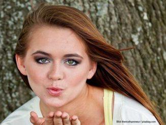Tinder Datin App Girl send Kisses
