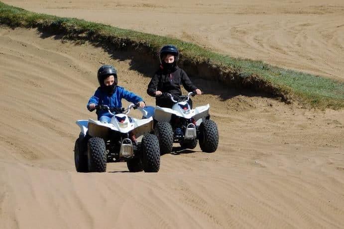 Mini Quads im Gelände