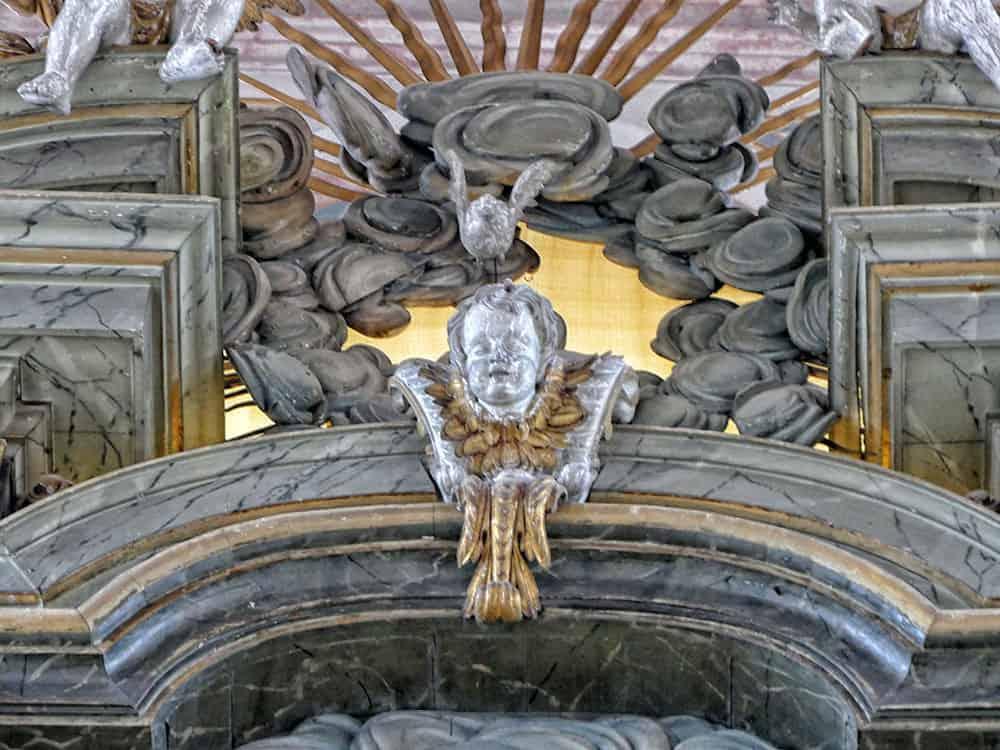 Figur am Altar Wenzelskirche
