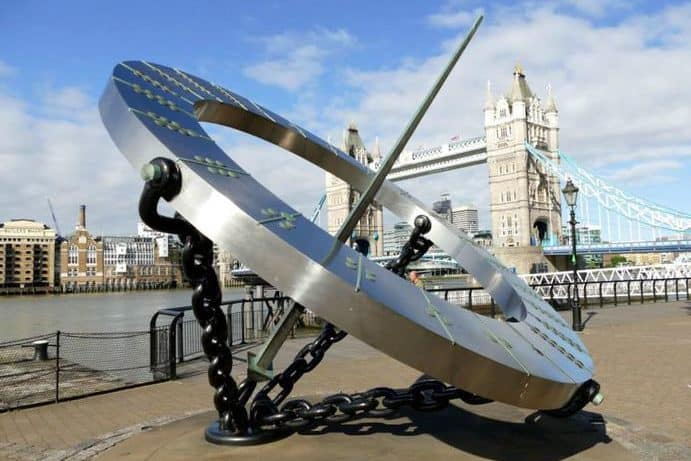 Blick zur Tower Bridge London