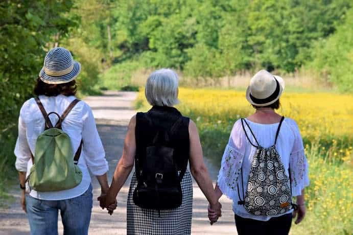Rentnerin mit ihren Kindern