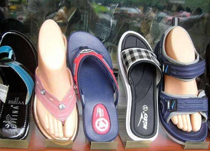 Luftige Schuhe verschiedene Größen