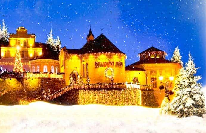 Weihnachtshaus mit Teddybären-Museum