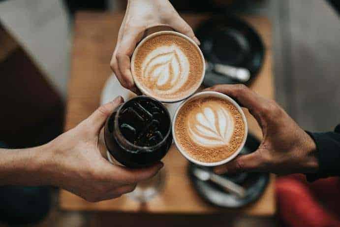 Kaffee im Becher