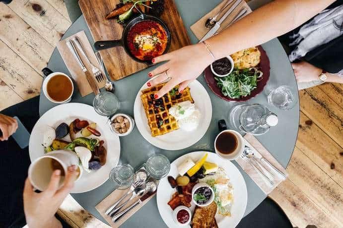 Abwechslungsreiche Speisen beim Brunch