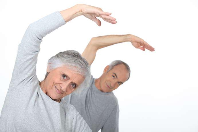 Senioren Yoga & Atemübungen ©photography33/depositphotos.com