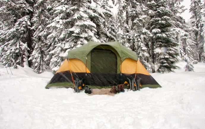 Zelt im Winter