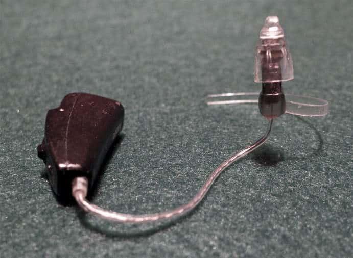 Ältere Variante (2012) eines Ex-Hörer-Gerätes / Bild: CineAmigo CC BY-SA 3.0